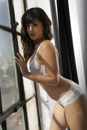 Sunny Leone Strips Off Her White Bra And Panties 05