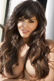 Sunny Leone Strips Off Her White Bra And Panties 14