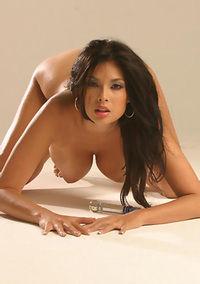 Hot Pornstar Tera Patrick Spreads Pussy