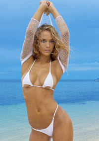 Hannah Ferguson Displaying Her Bare Boobs And Ass